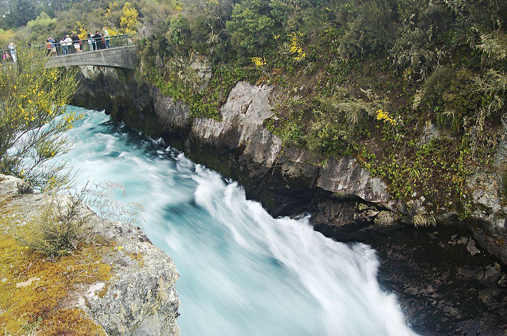 les chutes d'eau vertigineuses de Huka Falls